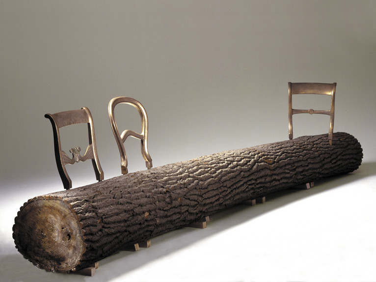 Tree trunk bench van Jurgen Bey