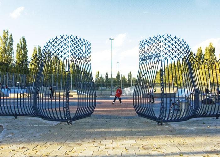 Design hek Olypiaplein Amsterdam Winnaar Dutch design award Beste product openbare ruimte 2008.