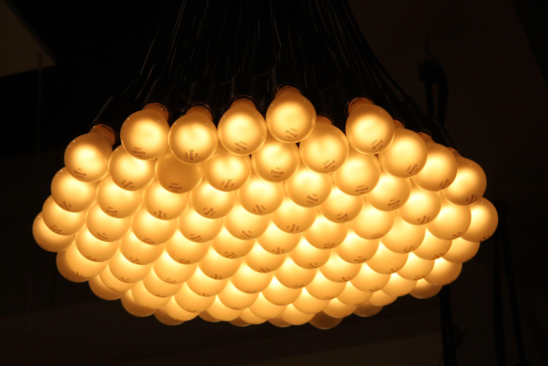 85 lamps Rody Graumans voor Droog