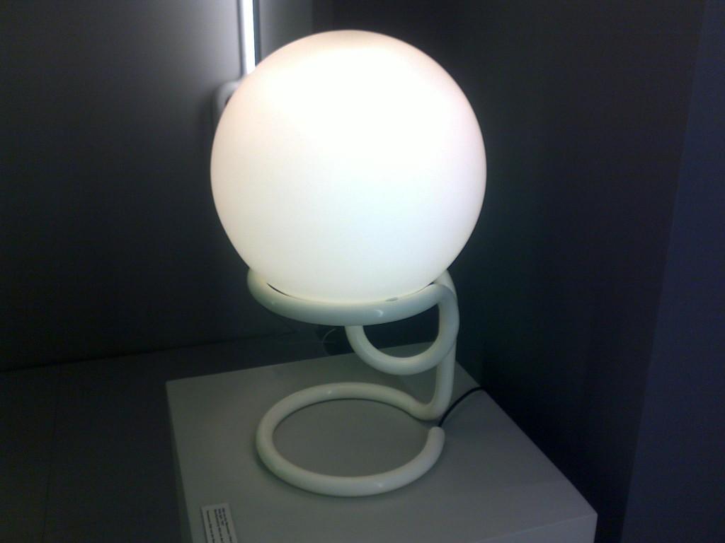 aldo van nieuwelaar lamp